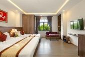 Bán khách sạn cao cấp 2 mặt tiền cực đẹp giá rẻ khu vực sầm uất đắc địa cách biển 300m