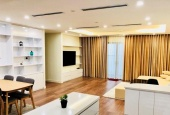 Chính chủ cho thuê căn hộ tại M5 Nguyễn Chí Thanh, DT: 150m2, 2PN, ful