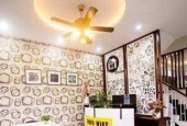 Cho thuê nhà 3 tầng cuối đường Hồ Nghinh 4 PN,4 WC full NT cao cấp