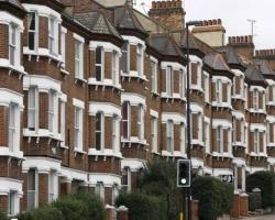 Anh: Trong tương lai người trẻ tuổi ít có khả năng mua nhà riêng